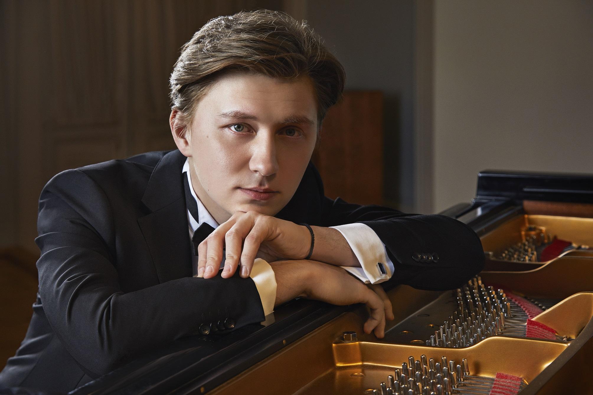 ナイール・マヴリュードフ ピアノリサイタル