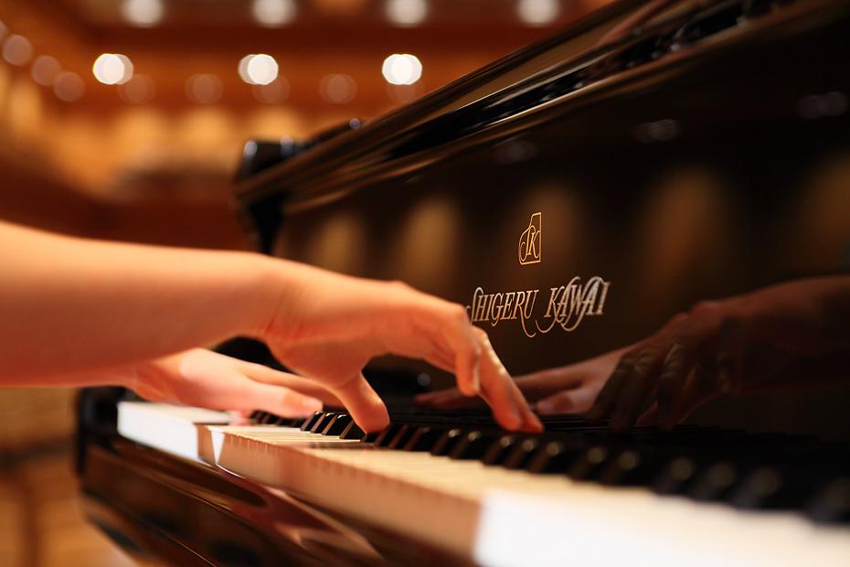 鍵盤延長という大胆な改良により、<br /> フルコンサートピアノに迫る高い演奏性を実現