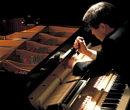 お好みのピアノ音調整ができるコンサートチューナー
