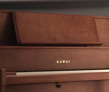 演奏中の安心感を提供するワイド譜面台