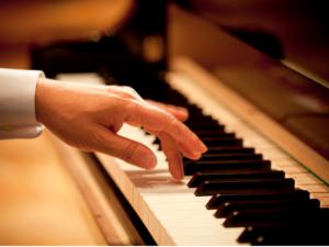 ピアノアクセサリー