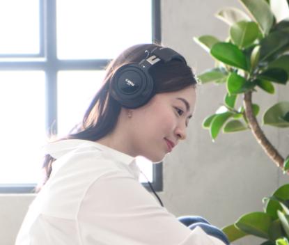 立体感と臨場感のある音を再現する<br /> スペイシャル・ヘッドホン・サウンド